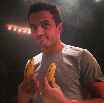 Banana_Apoio a Daniel Alves03