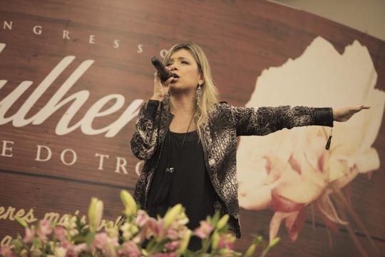 Veja as fotos da 2ª noite do Congresso de Mulheres Diante do Trono