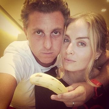 Banana_Apoio a Daniel Alves01