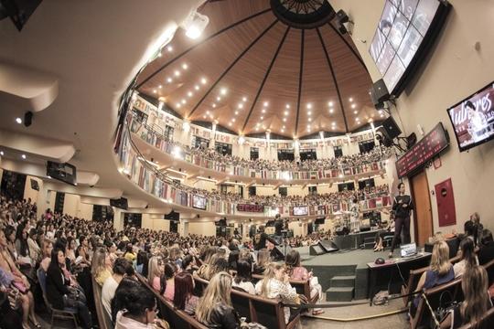 Veja as fotos da 2a noite do Congresso de Mulheres Diante do Trono