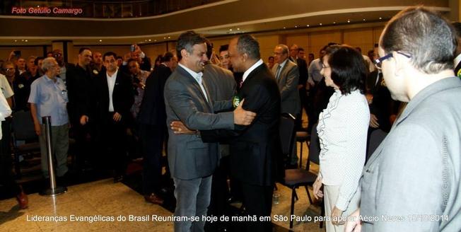 Aécio Neves se encontra com lideranças evangélicas em São Paulo; veja as fotos '