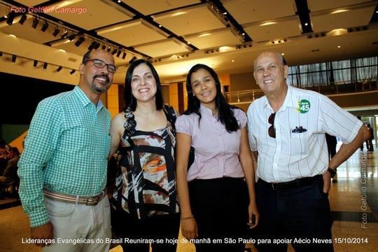 Lideranças Evangélicas Apoiam Aécio Neves em São Paulo