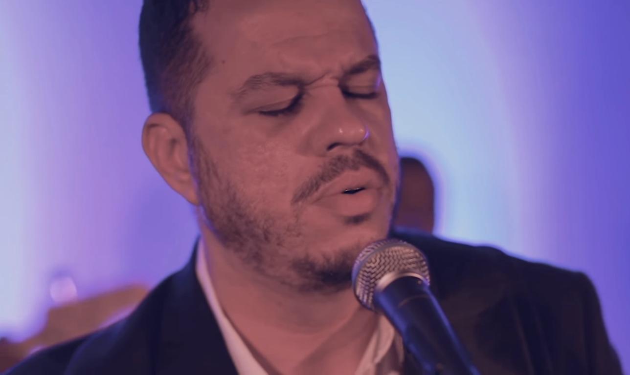 Hudson Almeida lança versão em português de Hillsong Worship