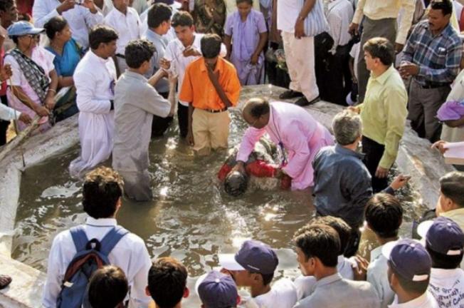 Países da Ásia aprovam leis proibindo conversões ao cristianismo