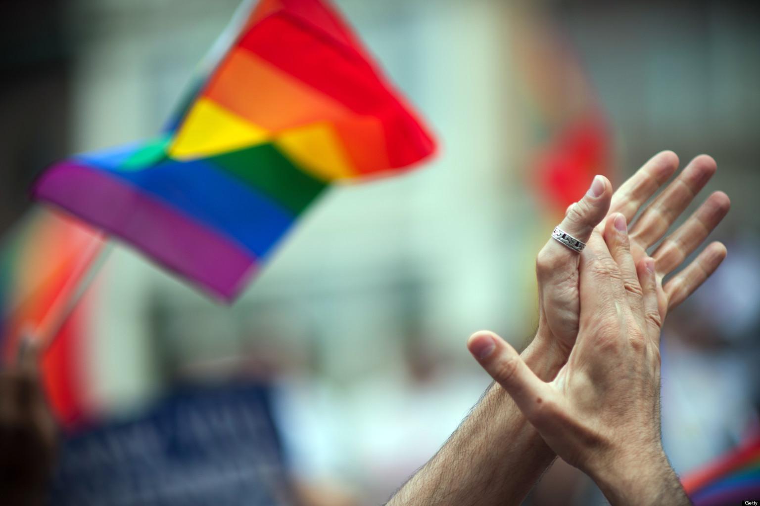 Nova lei que proíbe reorientação de homossexuais avança nos EUA