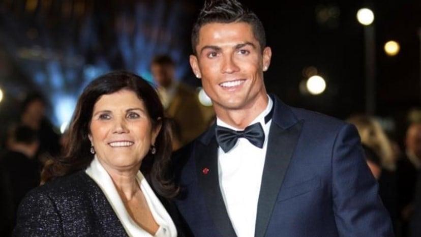 """Mãe de Cristiano Ronaldo pensou em aborto, mas desistiu: """"Foi o filho que Deus me deu"""""""
