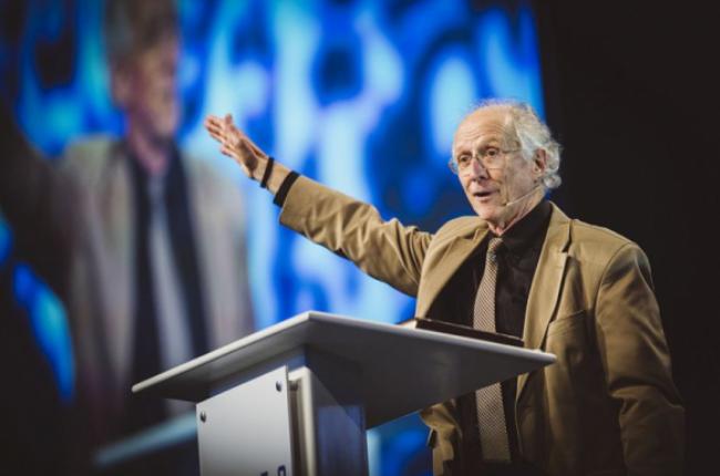 """John Piper diz como combater a ansiedade: """"Quando há um problema, Deus já o resolveu"""""""