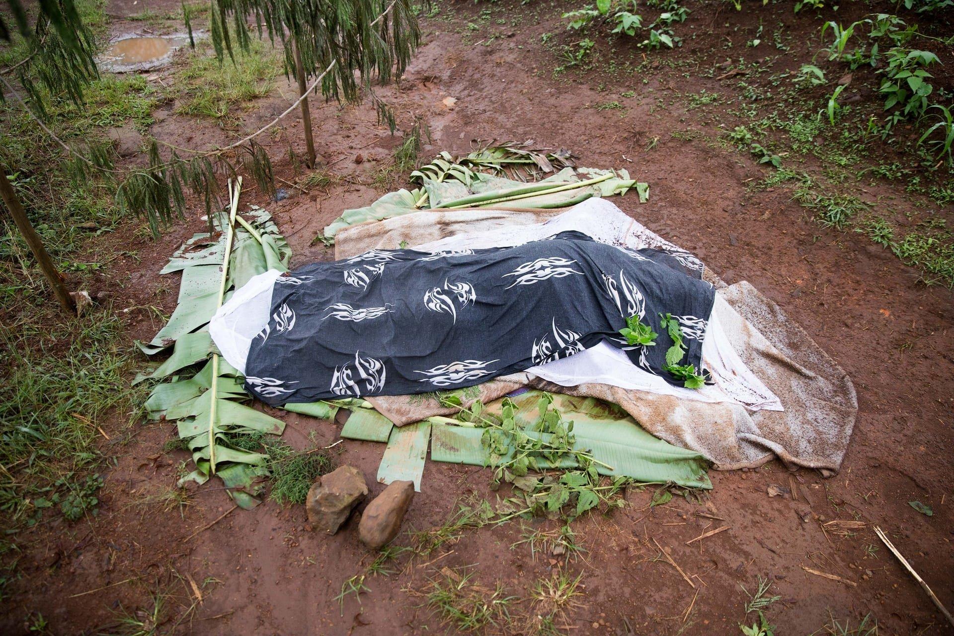 Soldados matam tradutor da Bíblia e novos exemplares sofrem barreiras, na África