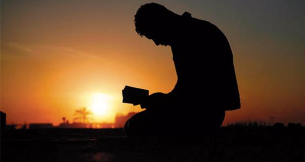 Muçulmano se rende a Cristo após ver as mãos de Jesus curando seu corpo