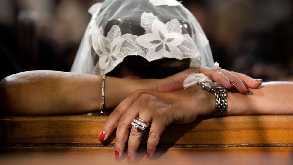 Egípcia vê mãe ser fuzilada pelo Estado Islâmico e incentiva cristãos: