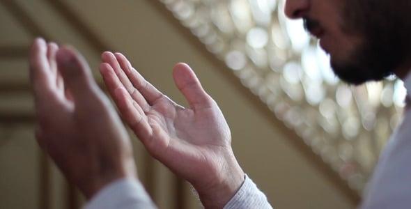 Xeique muçulmano sonha com Jesus e se converte após pedir 'prova' do evangelho