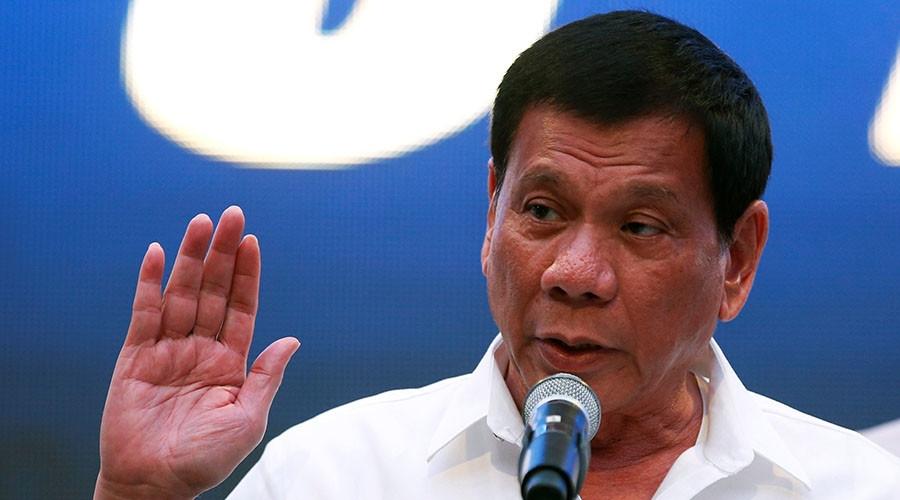 Provem que Deus existe e eu renuncio, diz presidente das Filipinas