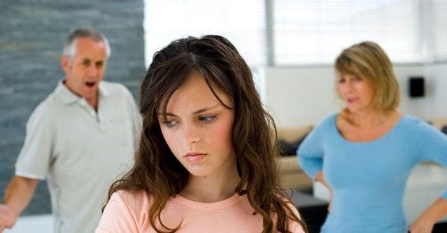 Falta de atenção e diálogo na família cria filhos inseguros e distantes de Deus