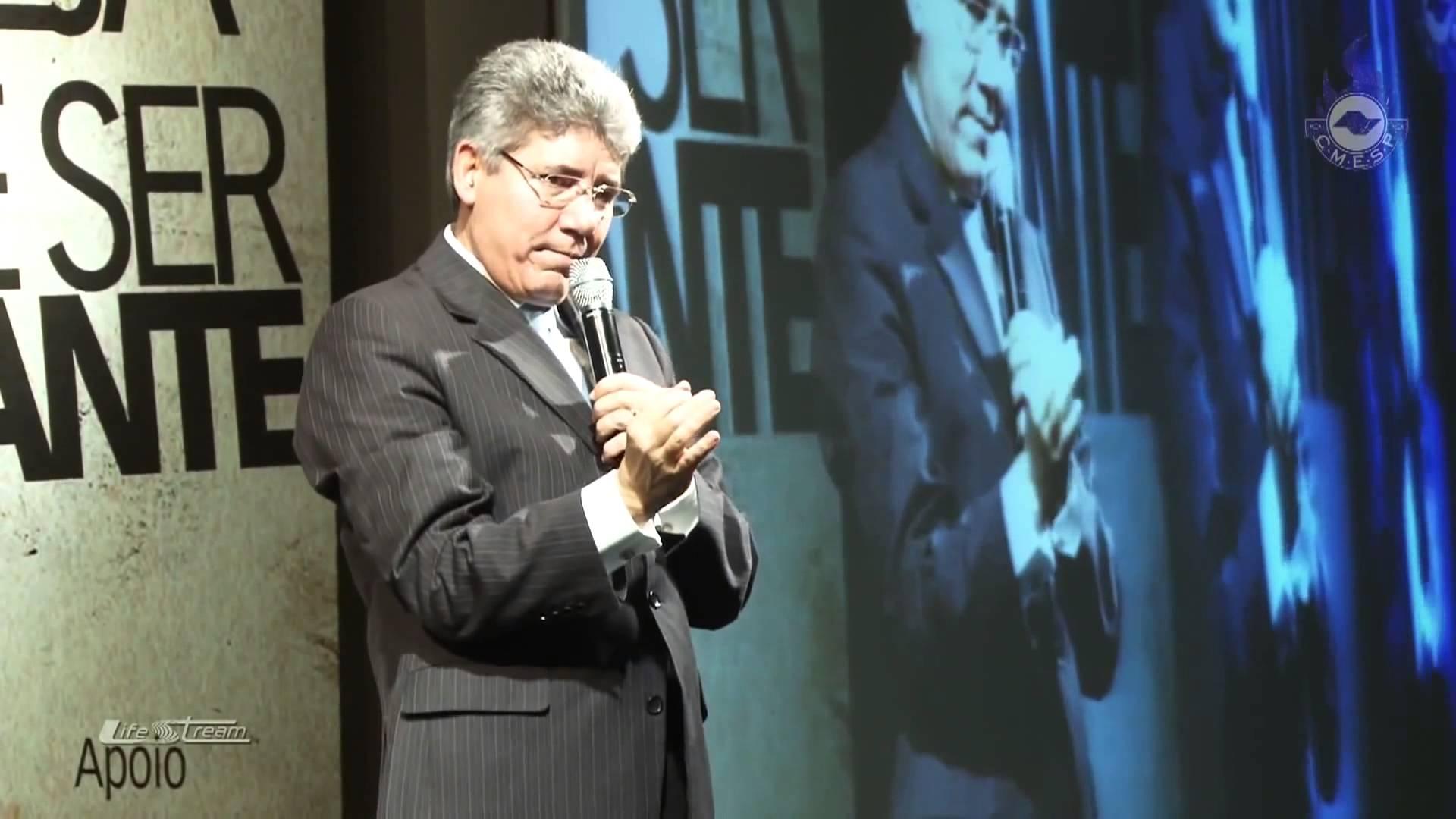 """Hernandes Dias Lopes: """"Enquanto não há despertamento para oração, não há avivamento"""""""