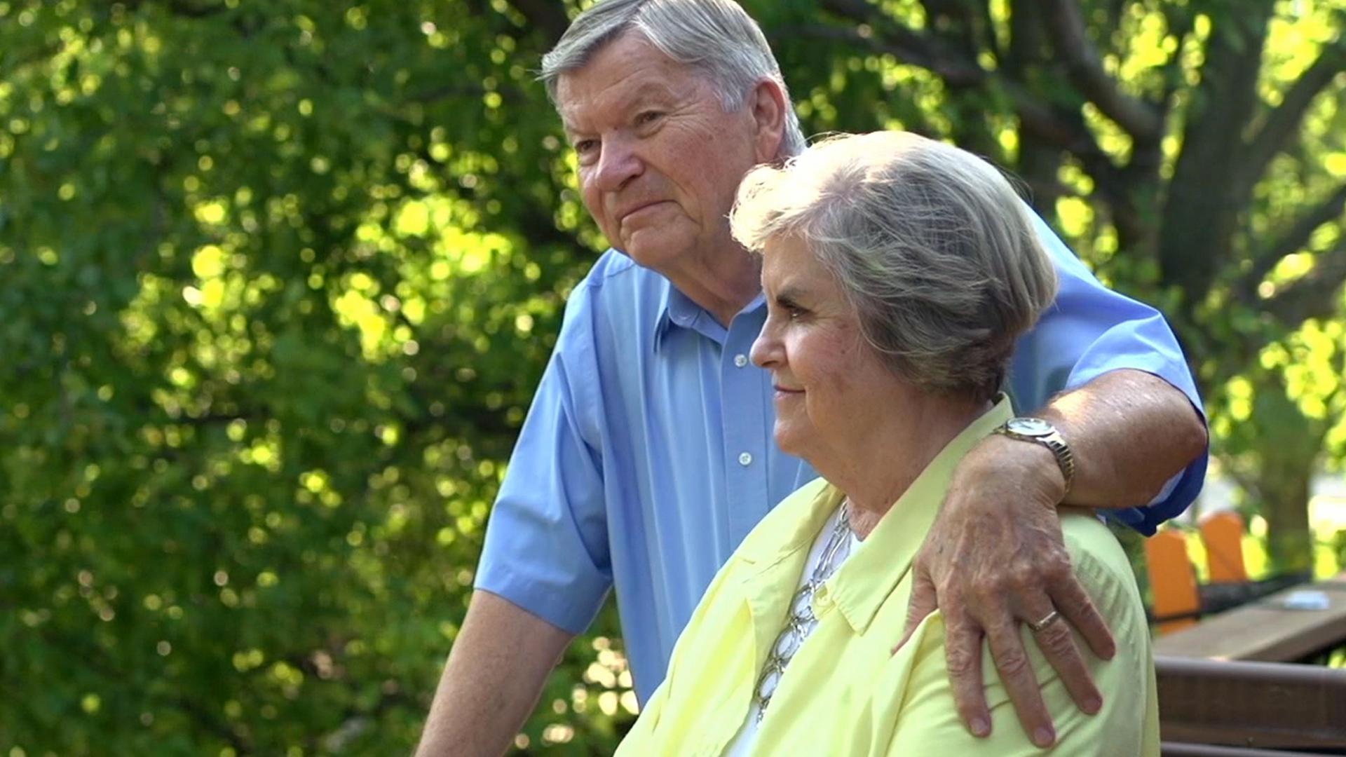 """""""Deus está me deixando viver normalmente"""", diz idosa com buracos no cérebro"""
