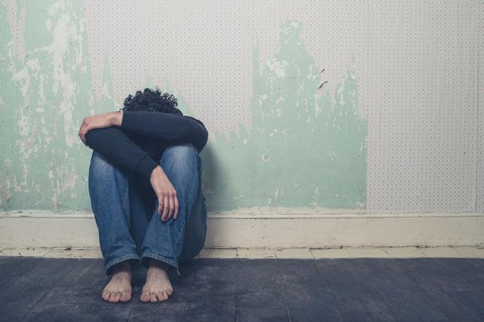 Como reconhecer os sintomas silenciosos e explícitos do pensamento suicida