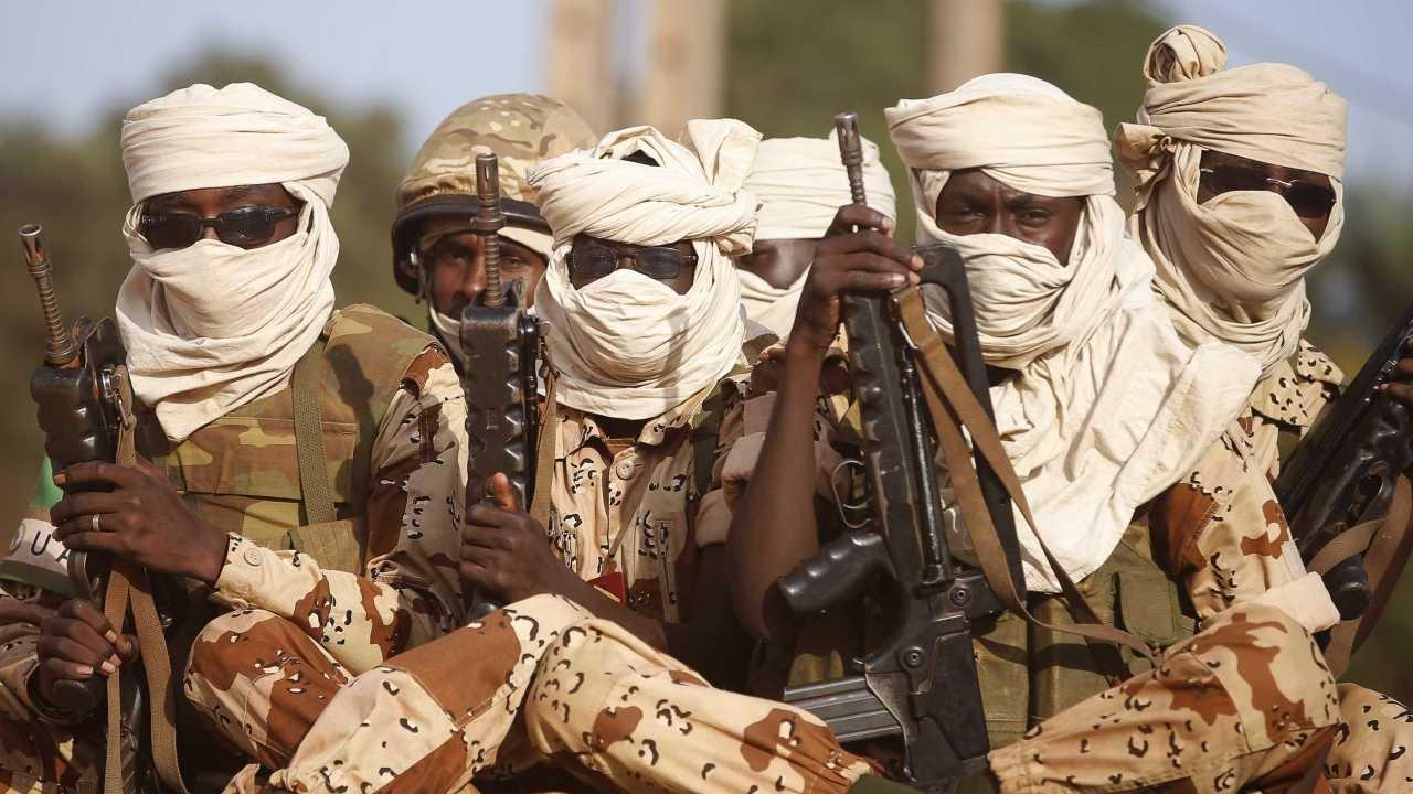 Em vídeo, Boko Haram ameaça matar adolescente cristã: