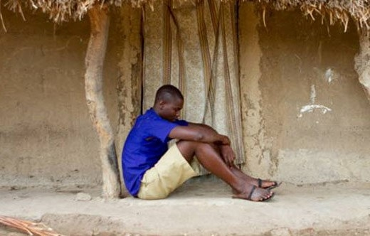 Jovem é espancado e expulso de família muçulmana por se tornar cristão, em Uganda