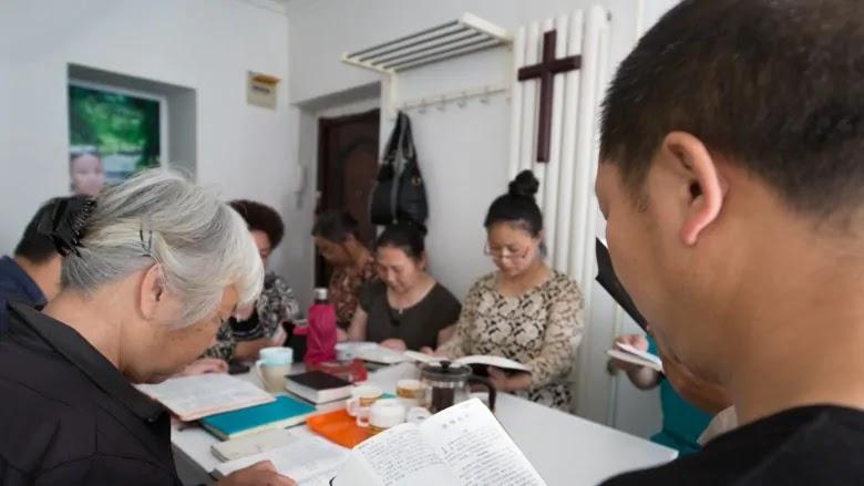 Cristãos podem ser presos por até 15 anos se denunciarem perseguição religiosa, na China