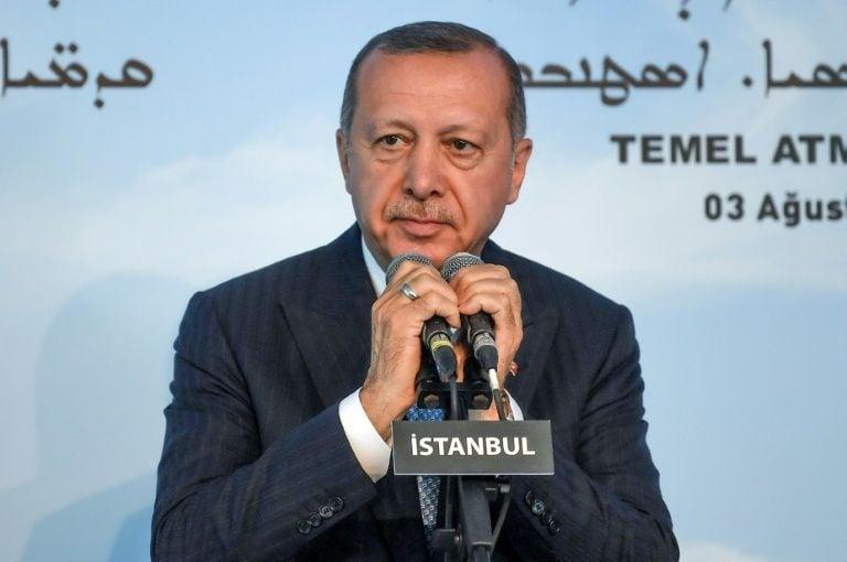 Presidente turco inicia a primeira construção de uma igreja no país desde 1923