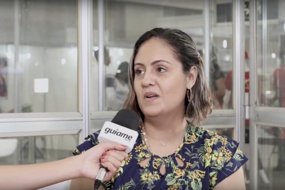Mulher arrecada 120 kg de alimentos em um dia para projetos sociais na ExpoEvangélica