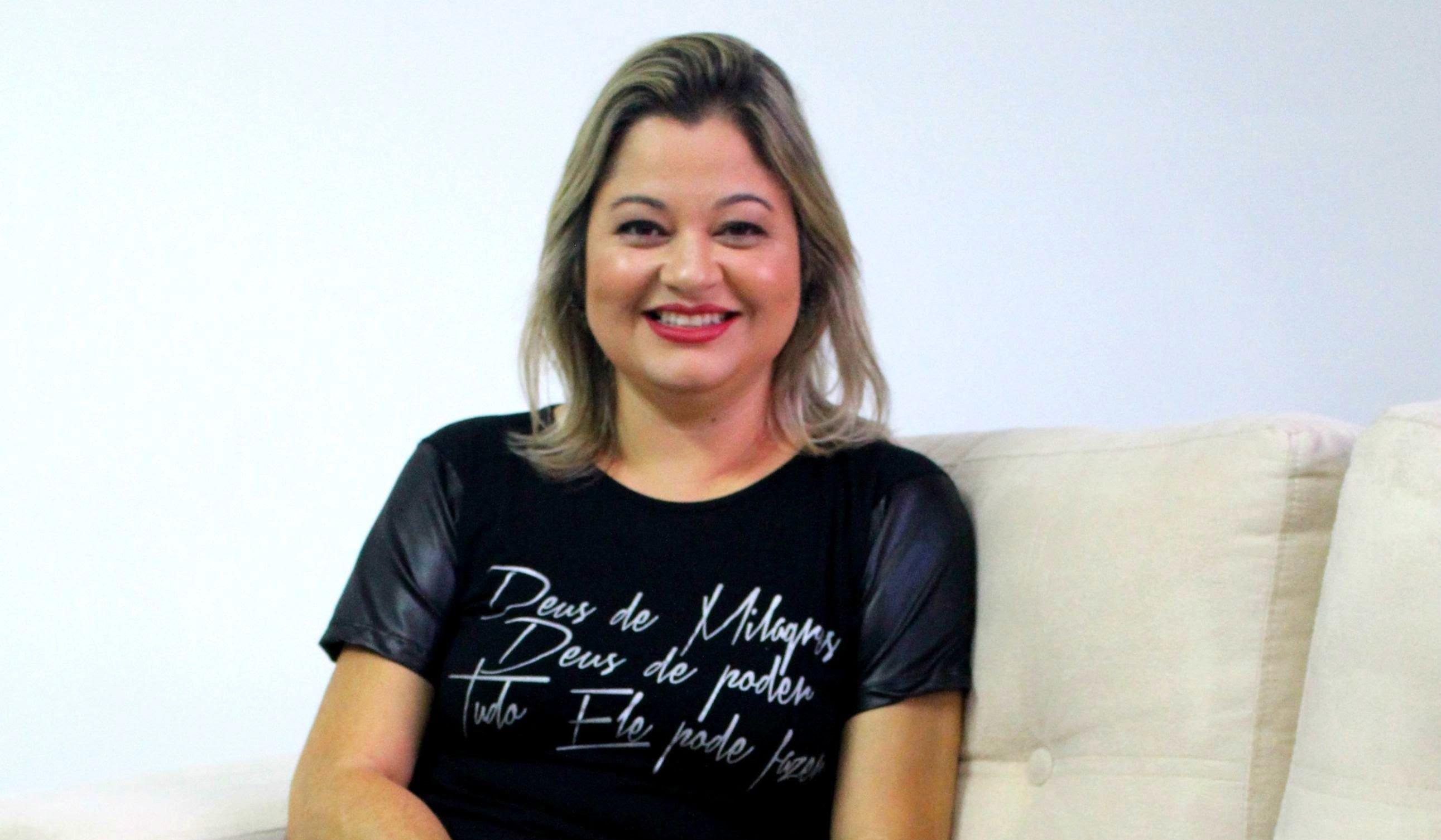"""Leila Francieli inicia 2020 com o lançamento do single """"Mais Além"""""""