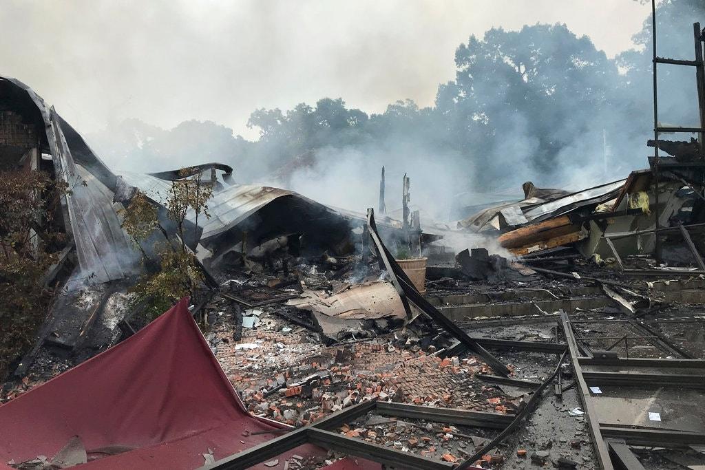 Igreja é incendiada nos EUA após questionar suspensão de cultos na pandemia