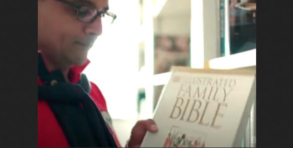 Depois de 20 anos no hinduísmo, homem conhece Jesus através de Bíblia infantil