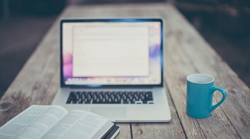 1 em cada 3 cristãos pararam de assistir aos cultos online, diz pesquisa