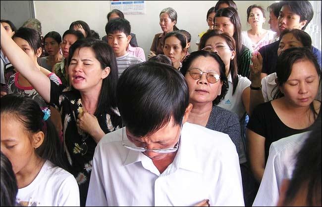 Após ser expulso de vila no Vietnã, cristão volta para evangelizar e 60 se convertem