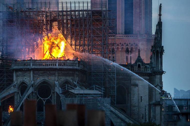 Incidentes anticristãos aumentaram 285% desde 2008 na França, segundo especialista