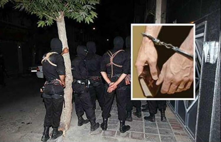 Nova lei que proíbe cultos on-line leva a onda de prisões de cristãos no Irã