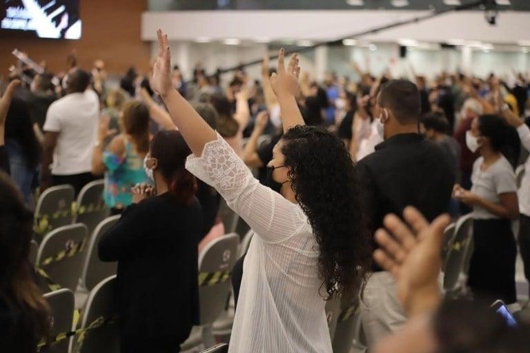Igrejas poderão contratar empréstimos subsidiados pelo governo para pagar funcionários