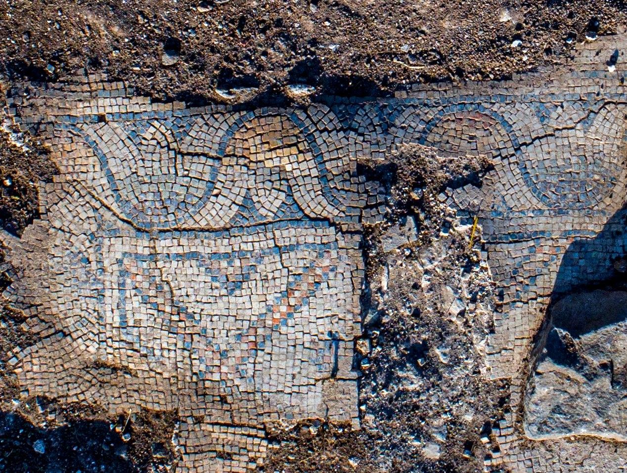 Arqueólogos descobrem igreja de 1.300 anos perto do Monte da Transfiguração de Jesus