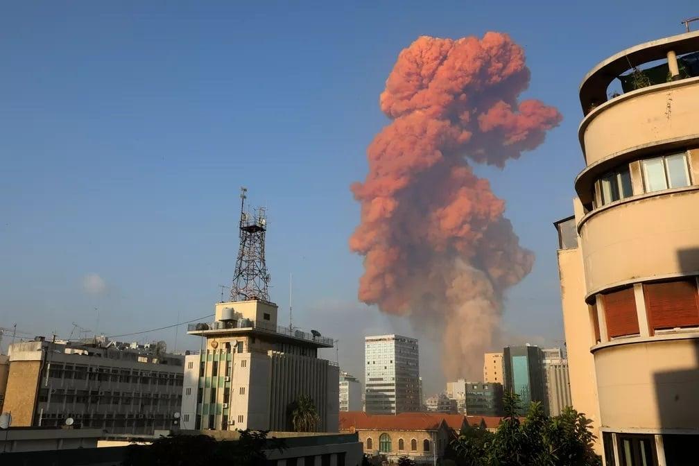 Grande explosão em Beirute deixa ao menos 10 mortos e centenas de feridos