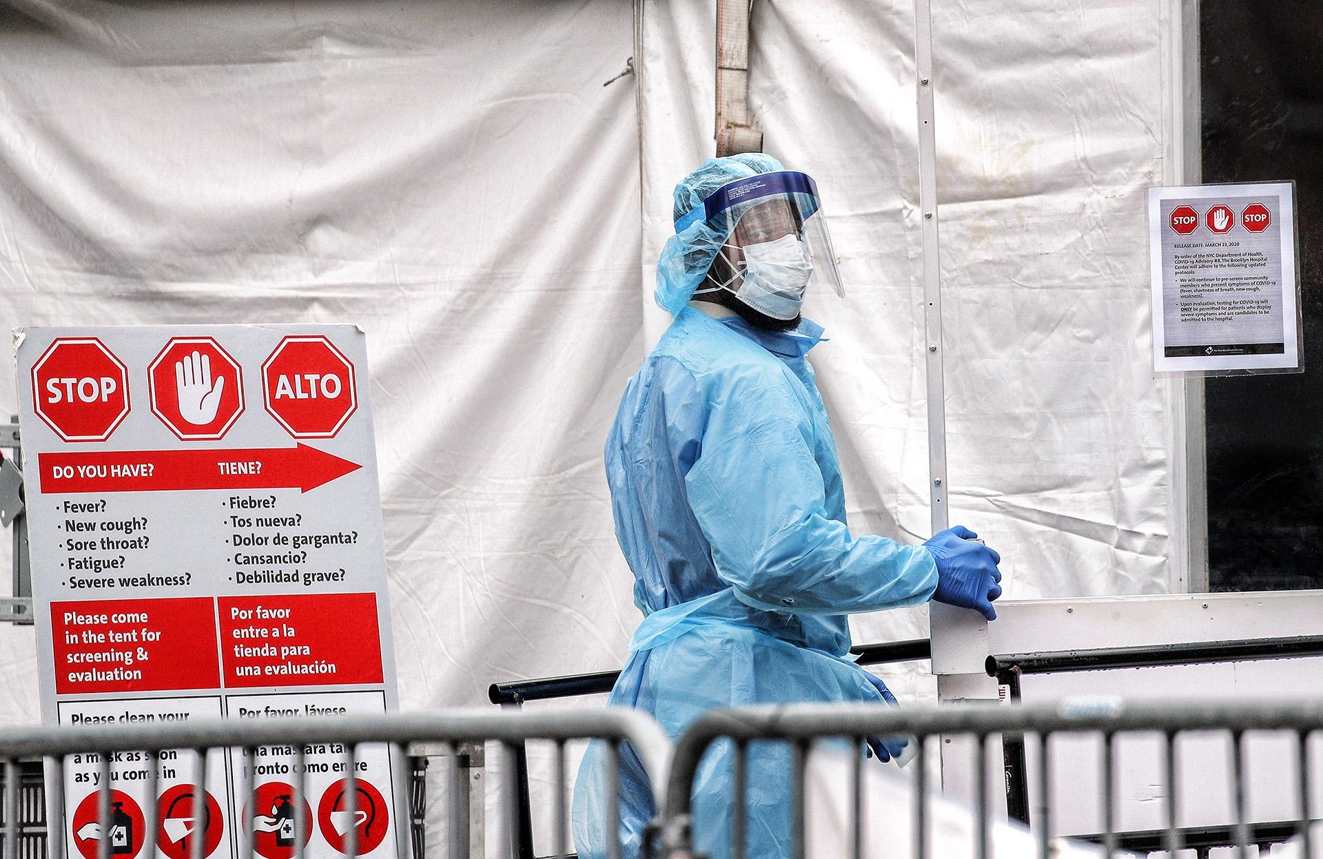Hospitais inflam número de mortes por Covid-19, diz diretor do Controle de Doenças dos EUA