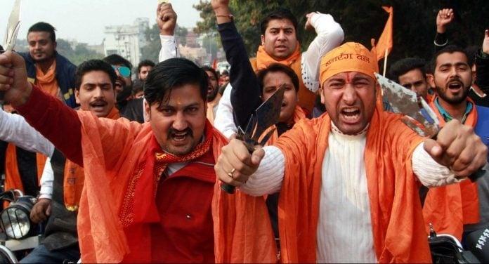 Cristãos são espancados por radicais após ajudar a evangelizar amigos hindus, na Índia