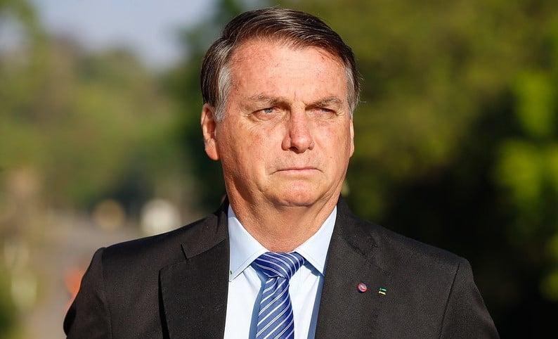 Presidente Jair Bolsonaro passa bem após cirurgia para retirada de cálculo na bexiga