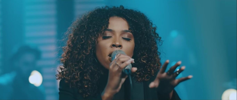 """Gabriela Gomes lança o single """"Deus Emanuel"""""""