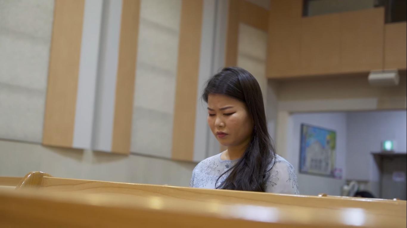 Jovem norte-coreana viaja mais de 4.800 quilômetros para ter a liberdade de adorar a Deus
