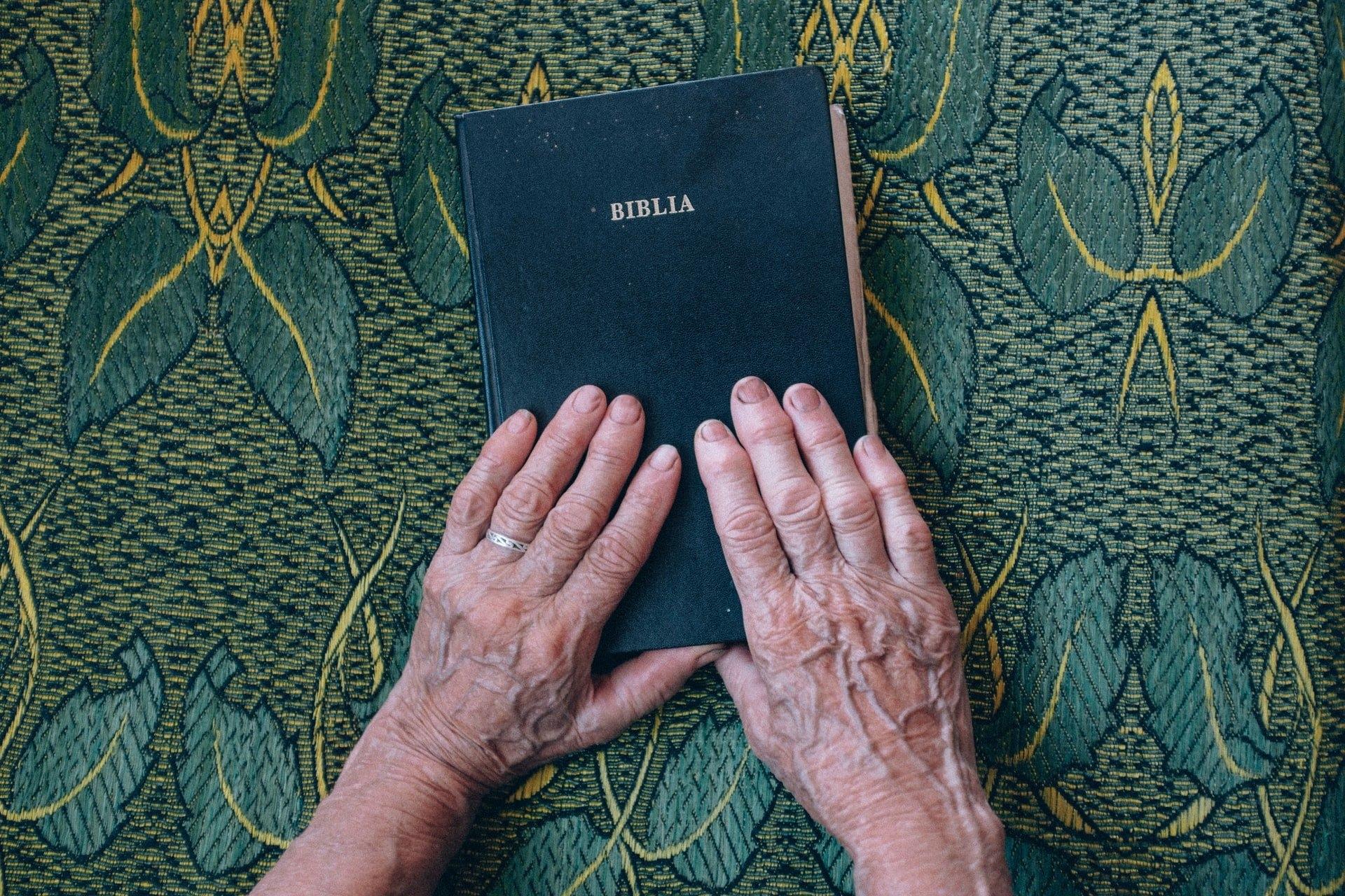 Bíblia é o livro cristão mais vendido em 2020, aponta ranking