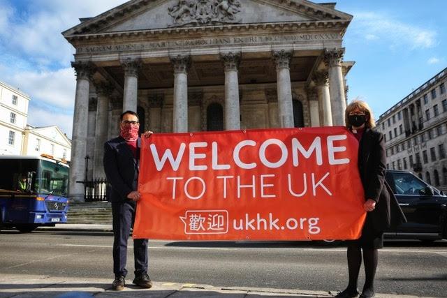 Mais de 500 igrejas do Reino Unido abrem portas para refugiados de Hong Kong