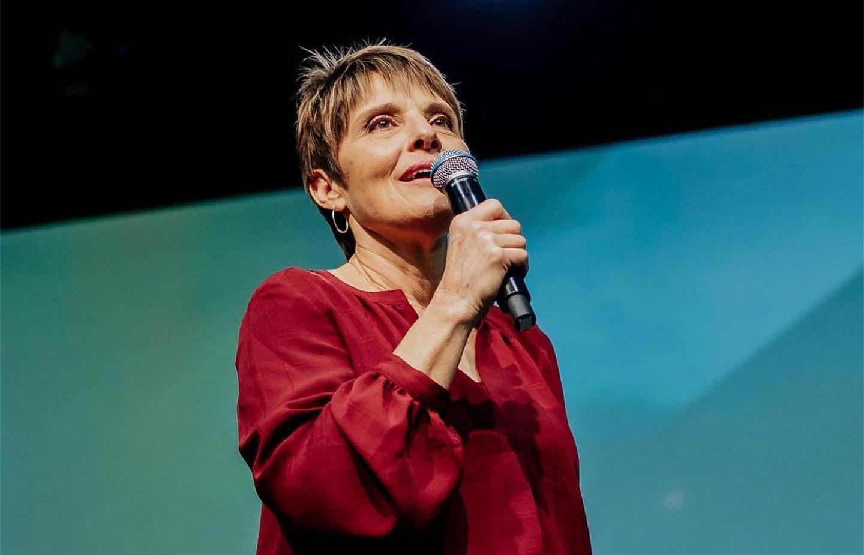 Conheça Joanne Moody, um testemunho vivo que estará na conferência Voz dos Apóstolos