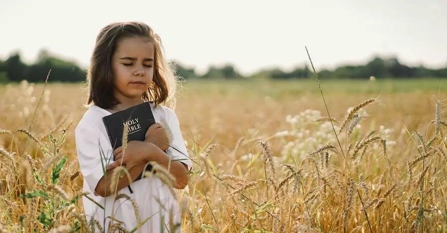 Estudantes cristãos são incentivados a levar suas Bíblias para a escola, nos EUA