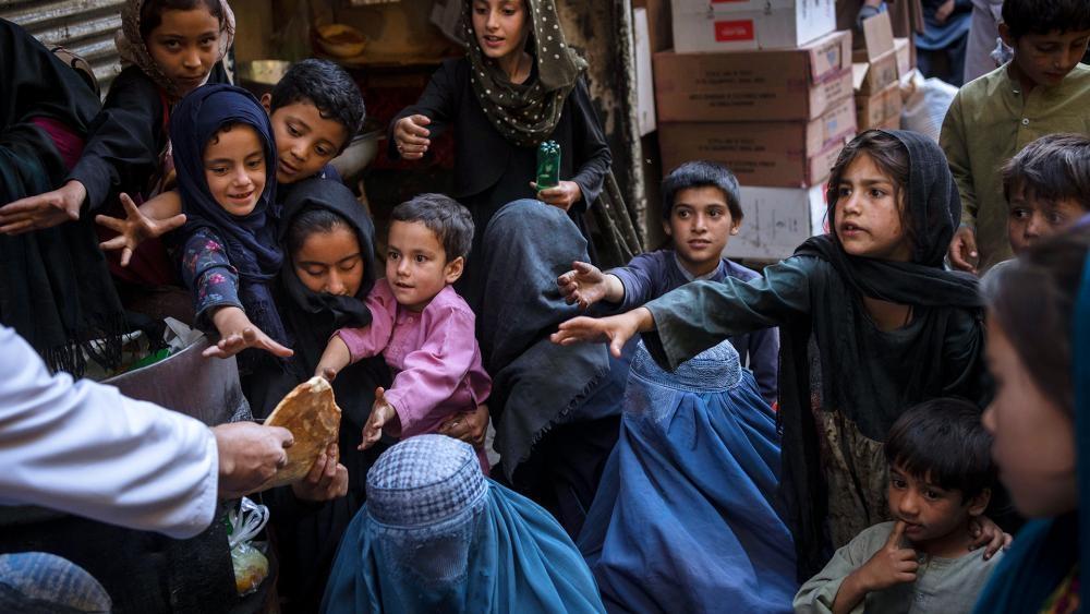 """Crianças no Afeganistão ligam para canal de TV à procura de Jesus: """"Podemos conhecer Ele?"""""""