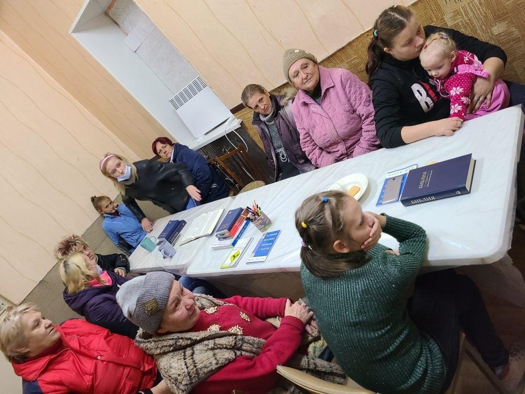 Igrejas da Ucrânia crescem na zona de guerra: 'Bombardeios por todos os lados'