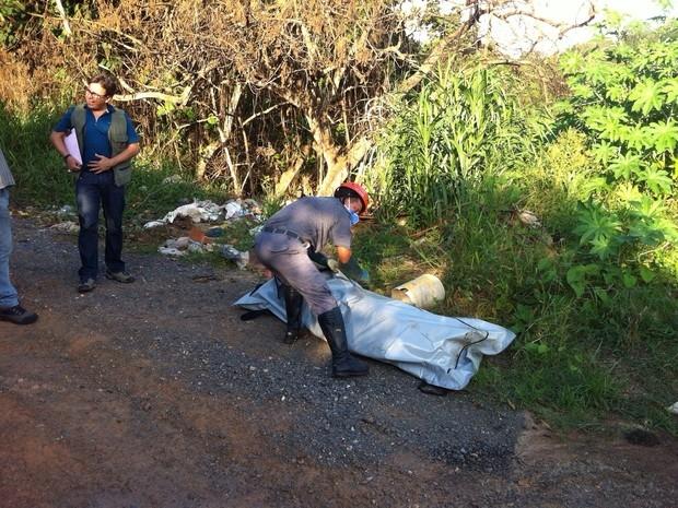 O Corpo do pastor Antonio de Souza Chimenez estava enterrado em um terreno baldio