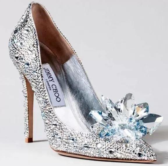 Sapato estilo CInderela