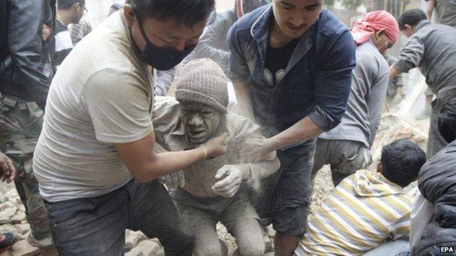 Após terremoto devastador no Nepal, missionária brasileira envia notícias: