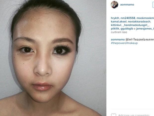rosto maquiagem pela metade
